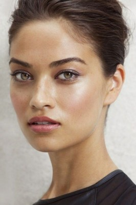 Latest Beauty Trend - What Is Strobing?