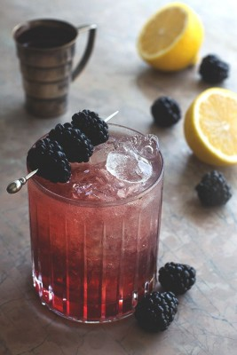 TGIF: 7 Blackberry Cocktail Ideas