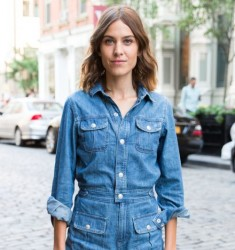 Get The Look: Alexa Chung's Tousled Waves Tutorial