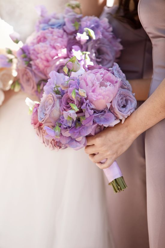 6 Beautiful Bridal Bouquets
