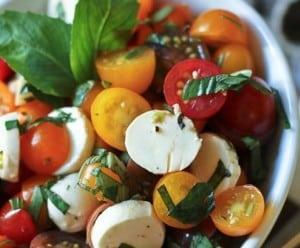 Healthy lunch ideas: Easy Caprese Salad Recipe