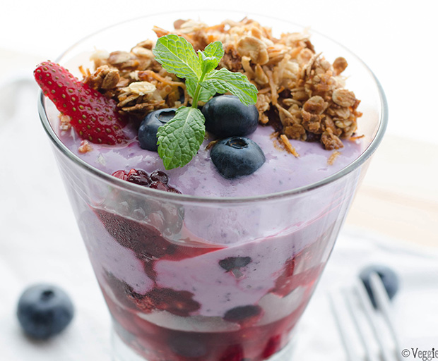 Veggieful, fruit salad, oat crunch, yoghurt and muesli, healthy breakfast ideas, homemade yoghurt