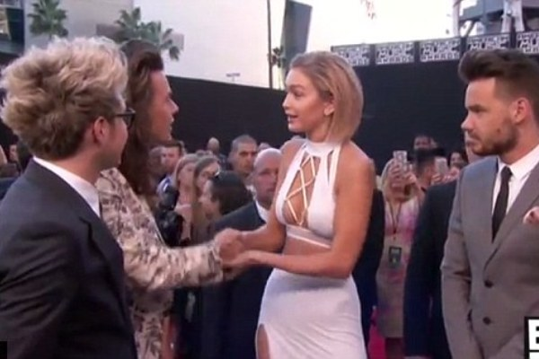AMAs, Harry Styles, Gigi Hadid, celebrities, music awards, awkward moments