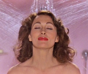 6 Things You're Doing In The Shower That Destroy Your Hair