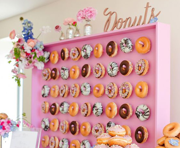 13 Wedding Doughnut Walls That Will Make You Want All The