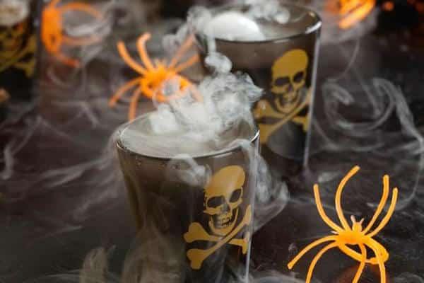 Original_Andrea-Correale-Halloween-Cocktails-Smoking-Skulls_v.jpg.rend.hgtvcom.616.822