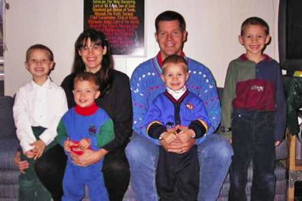 The Yates family in happier times. (Image via rusyat.squarespace.com.)