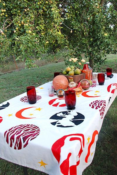 Original_tablecloth-garden-party-3.jpg.rend.hgtvcom.966.1449