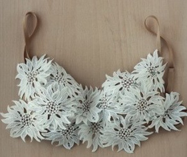 12-genius-bra-hacks-for-girls