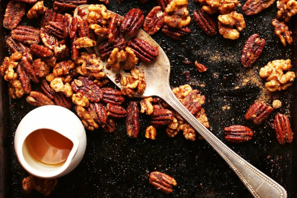 AMAZING-Roasted-Candied-Nuts-on-1-Pan-15-minutes-no-bowl-required.-The-PERFECT-holiday-snack-or-gift-vegan-glutenfree-recipe-nuts-holidays