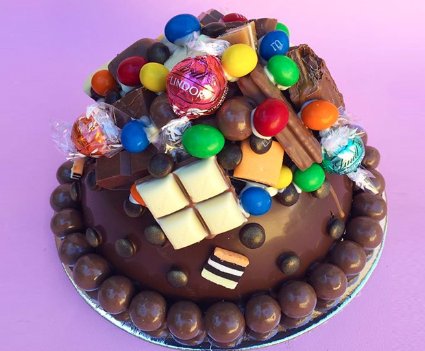 Heres How To Make Your Own Exploding Candy Cake