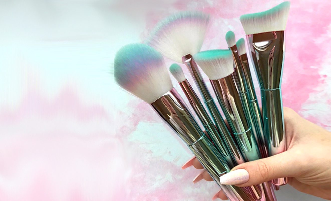 Here's What To Do With All Of Those Different Makeup Brushes