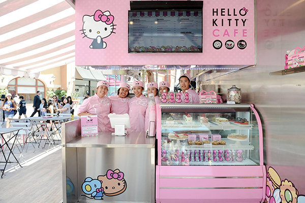 pink-travel-hello-kitty