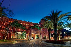 pink-travel-hotel
