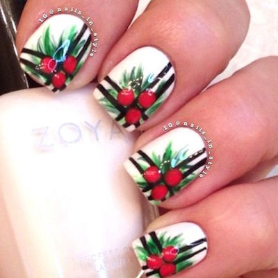 christmas nail art holly