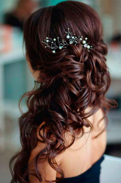 christmas party hairstyle curls