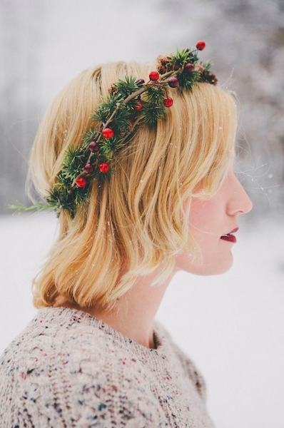christmas party hairstyle short wreath