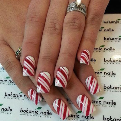 christmas nail art candy cane