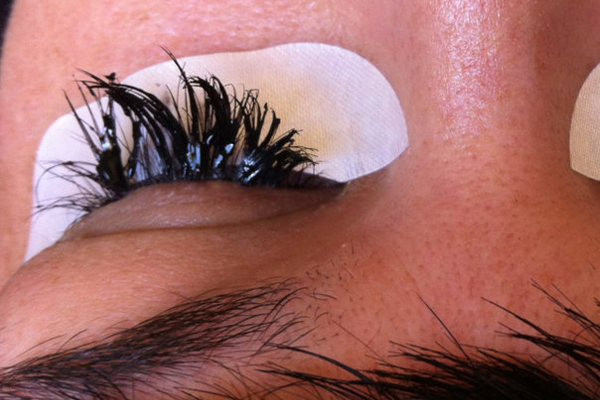 5 Things Your Eyelash Technician NEEDS You To Know - SHE'SAID'